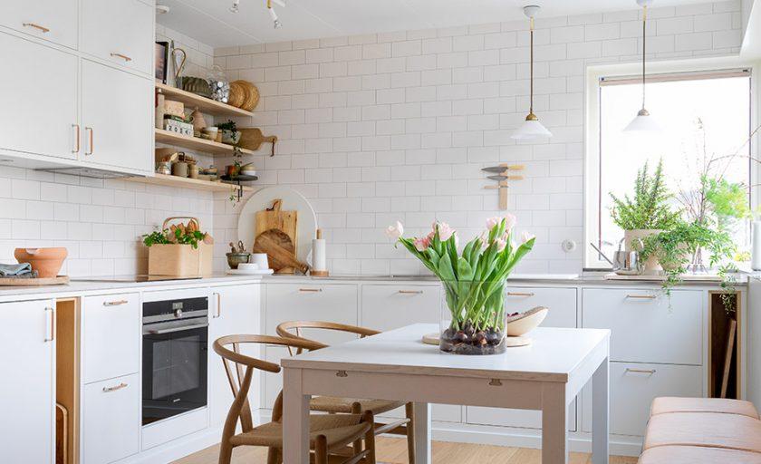 Nå er kjøkkenet til Frida ferdig!